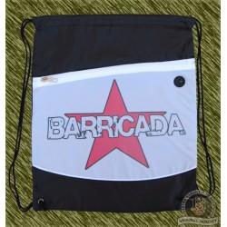 mochila negra y blanca, barricada