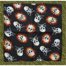 pañuelo calaveras tibias y fuego