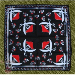 pañuelo corsarios con gorro y sables