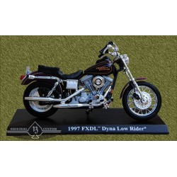Harley Dina low rider