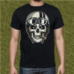 Camiseta negra, calavera con casco y gafas