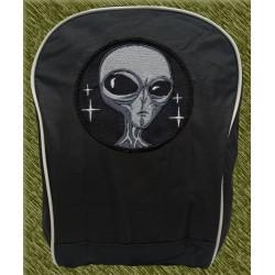 mochila negra bodada, alien gris