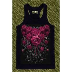 camiseta negra de tirantes, ramo de rosas 02