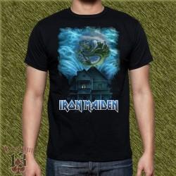 Camiseta negra, iron maiden, tinieblas