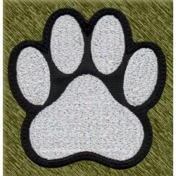 Parche bordado, huella perro